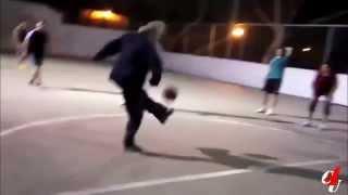 Old man beats 15 guys at street football - (World Champion of FREESYLE)