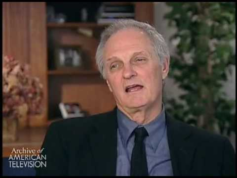 """Alan Alda on writing the M*A*S*H episode """"Dear Sigmund"""" and the performance of Allan Arbus as M..."""