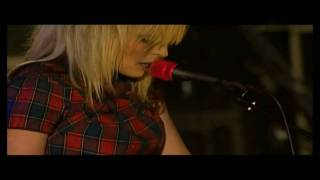 THE TING TINGS - WE WALK - LIVE
