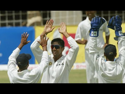 Rahul Dravid's 3 ODI Wickets. Rare footage of The Wall bowling