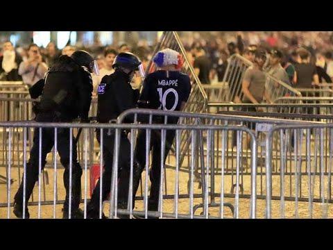 Celebrações e violência mancham celebrações em França