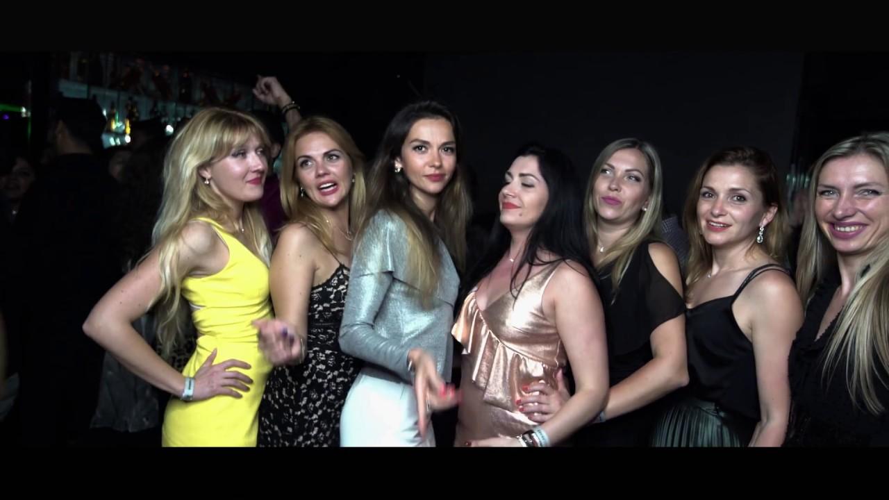 necket girls in night club