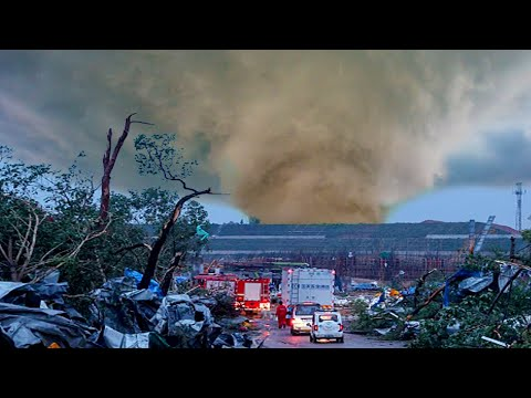 ❗ Two POWERFUL Tornadoes Walloped the Chinese Cities of Wuhan and Suzhou.