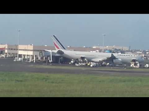 Atterrissage à DOUALA avec Bruxelles