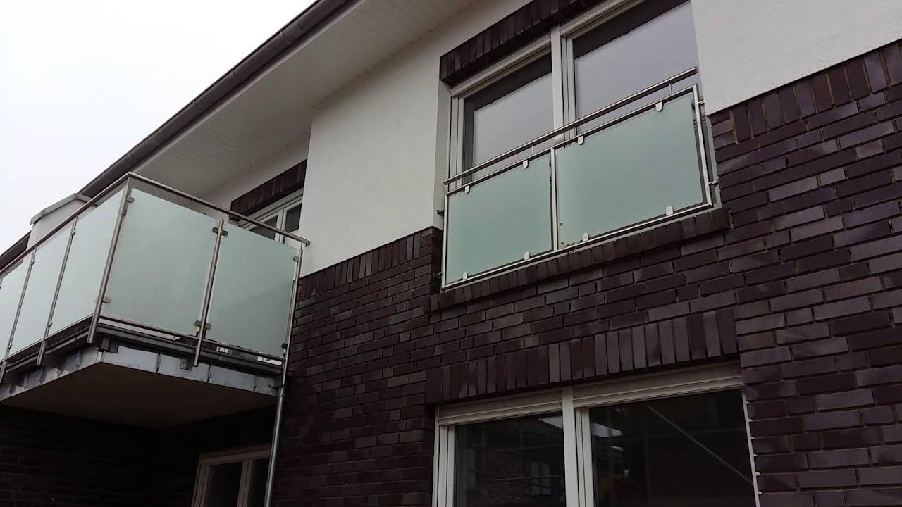 balkon gelände gebaut in va2 mit milch glasscheibe