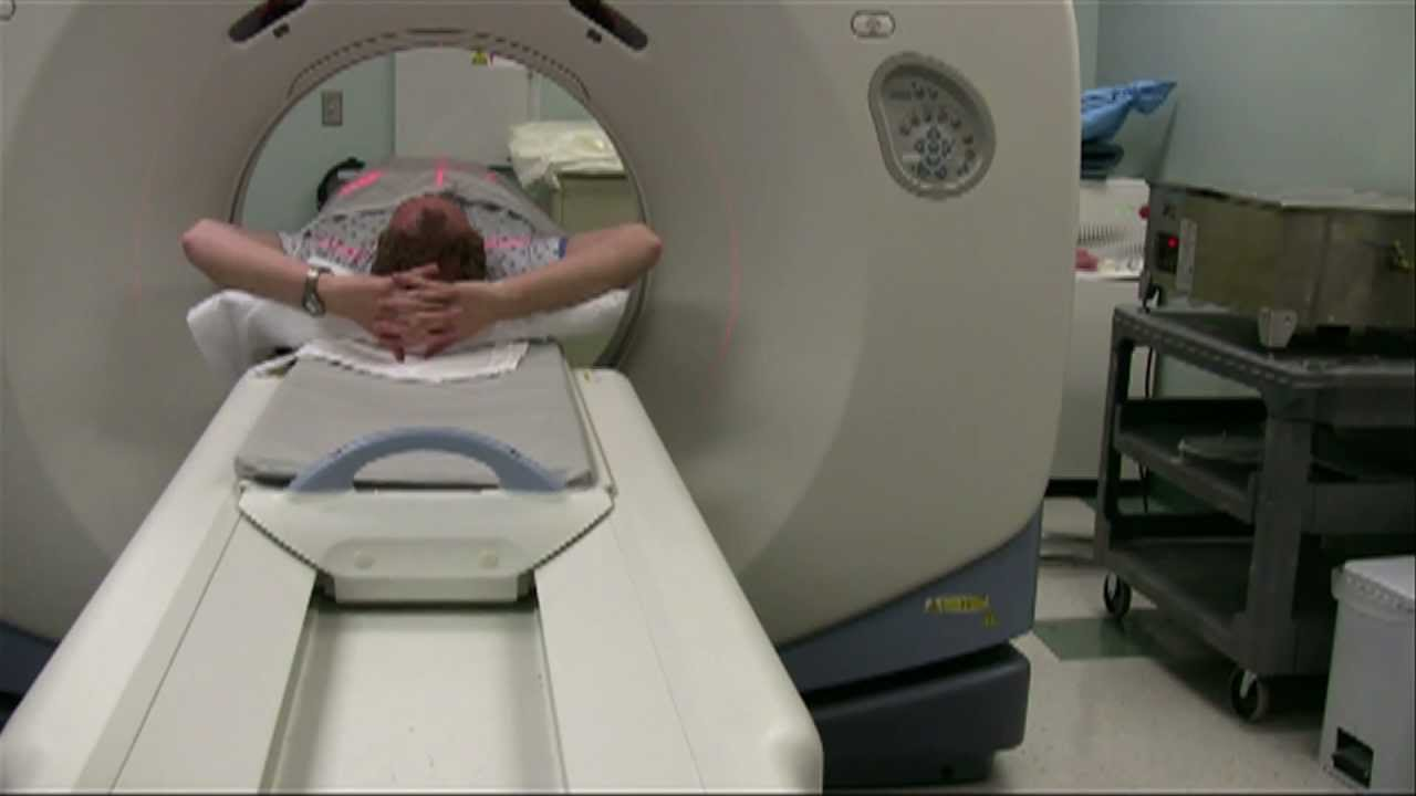 Using Radiotherapy to Treat Prostate Cancer - YouTube