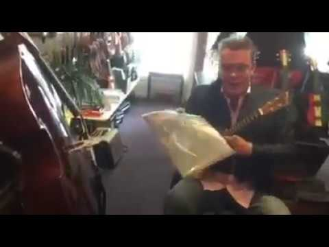 Voodoo Chile on ukulele  at Alistairs Music, NZ,  Warwick Murray and his Blukulele
