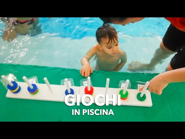 Giochi in piscina per bambini piccoli