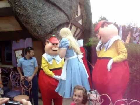 Musical chairs with Alice at Disneyland Paris - june 2012
