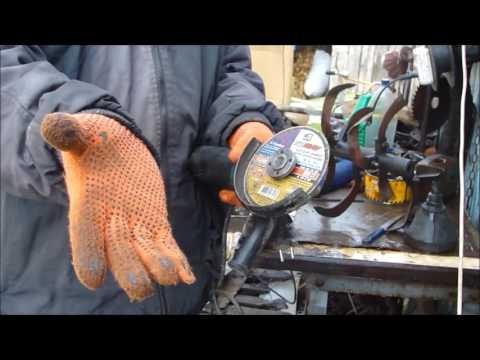 Как снять диск с болгарки без ключа