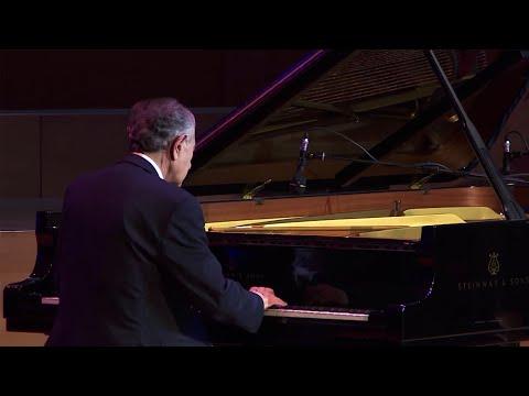 «Млечный путь» Гарри Кеосаяна: в Армении прошел концерт джазмена