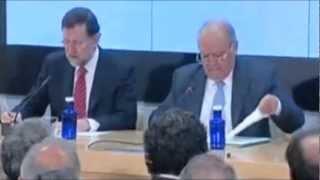 Error de protocolo de Rajoy - Le suena el móvil presidiendo un acto de Estado