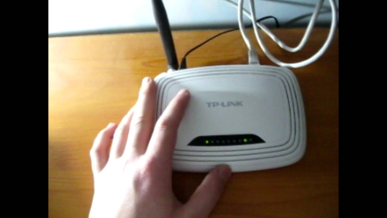 Como Resetear El Router Wi Fi Tp Link 2014 Youtube