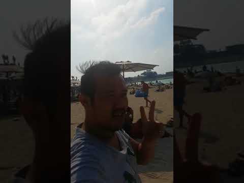 Von lawrence uy at dubai beach