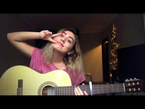 Russian Girl Singing Chinese Songs. 娜娜唱中文歌 - 告白气球 (翻唱)