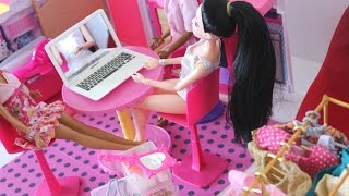 BARBIE AND FRIENDS FASHION SHOW CLOTHES SHOES LAPTOP BAGS THE BEHIND THE SCENE Tia Tia