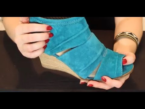 ASMR Shoe Store. (Tapping, Scratching and Fabric Sounds)