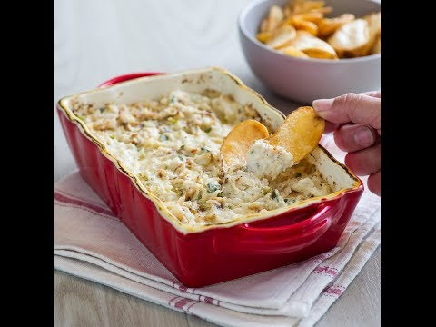 Baked Hot Crab Dip - Hot, Creamy, & Irresistable!