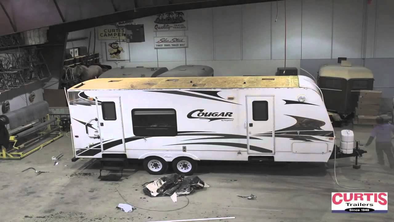 Curtis Trailers   Rubber Roof Replacement