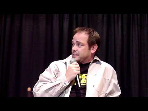 Mark Sheppard talks about kissing Jim Beaver on Supernatural