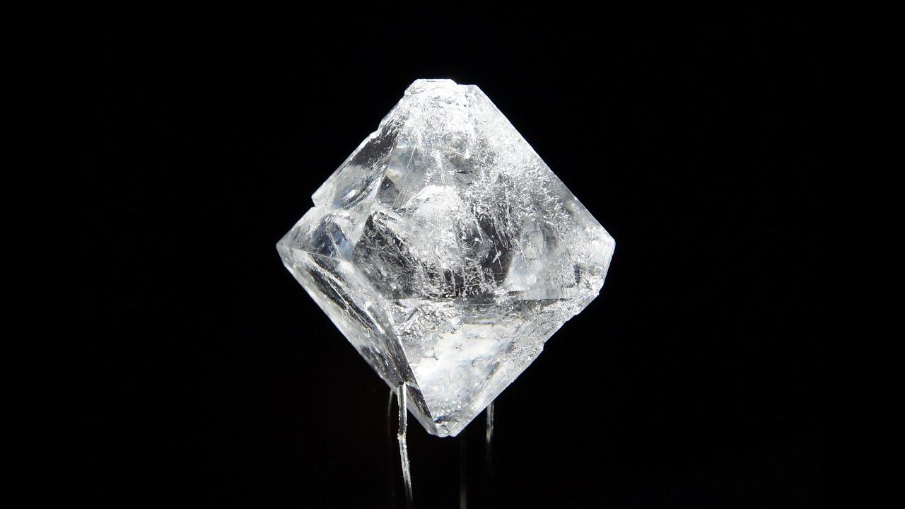 Кристаллы из дихромата калия - YouTube