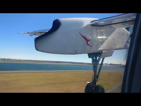 Take off in a QANTAS de Havilland Canada Dash 8/Bombadier 8-Q400