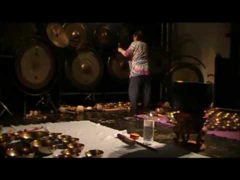 Singing Bowls & Gongs 6