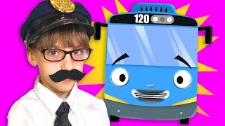 Katrin Pretend Play & Sing Song Wheels on the Bus Song for Kids | Funny Video for Kids