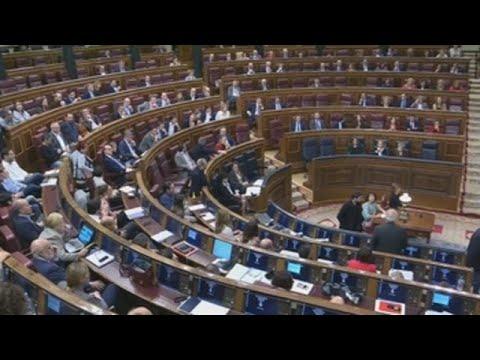 El Congreso pide VAR: ¿hubo o no escupitajo a Borrell?