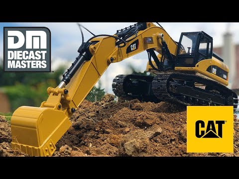 diecast-masters-1:20-scale-cat-rc-excavator-caterpillar-330d-l-(officially-licensed)