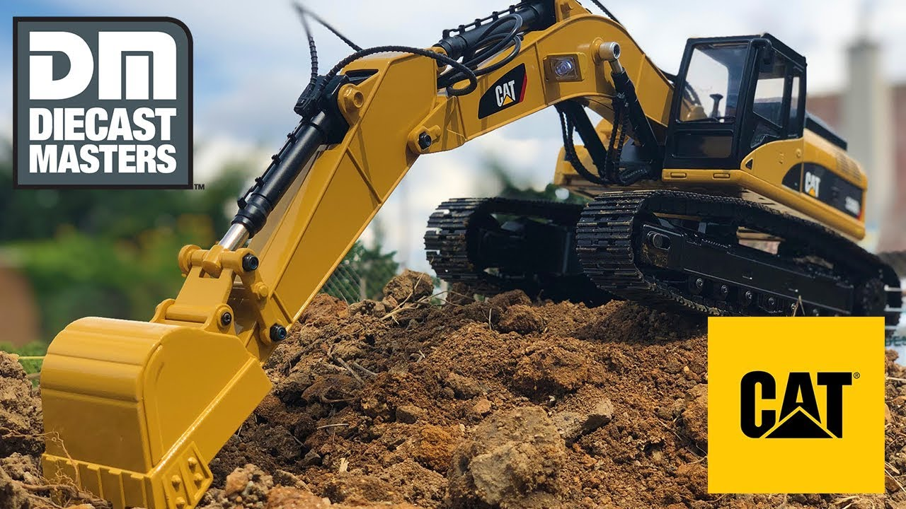 Diecast Masters 1:20 Scale CAT RC Excavator Caterpillar 330D L (Officially Licensed)