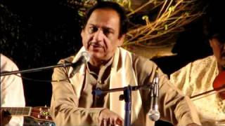 Ghulam Ali  ( Itna Toota Hoon Keh Chhoonay Se Bikhar Jaoon Ga )