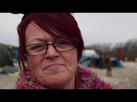 Tracey & Tamar: Volunteers Help Refugees in Calais, France