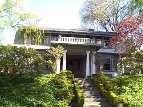 Walking Tour of Queen Anne Hill in Seattle