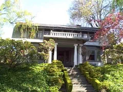 Walking Tour of Queen Anne Hill in Seattle