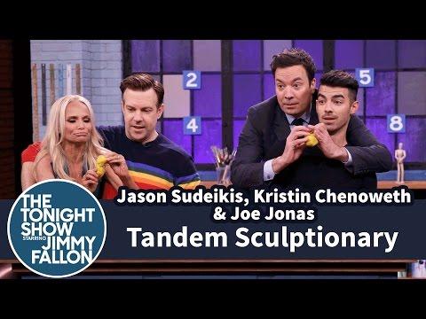 Tandem Sculptionary with Jason Sudeikis, Kristin Chenoweth and Joe Jonas