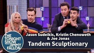 tandem sculptionary with jason sudeikis kristin chenoweth and joe jonas