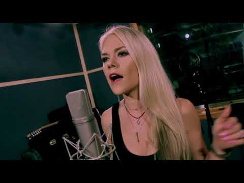 Carrie Underwood - 'Cry Pretty' (Sarah Lenore Cover)