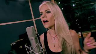 "Carrie Underwood - ""Cry Pretty"" (Sarah Lenore Cover)"