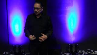 Maori insights for living, change, personal and global leadership: Trevor J Moeke at TEDxTeAro