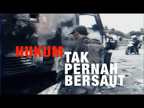 TARING -  SENJA DI ATAS PAYUNG HITAM (Official Lyric Video)