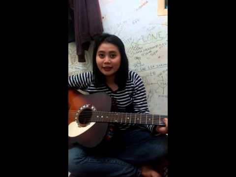 Cei Cicilia Agustin Belajar Gitar