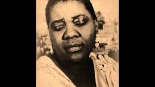 Bessie Smith -  Gimme A Pigfoot