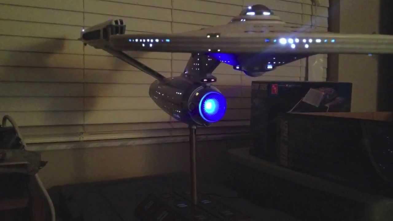 2-foot Polar Lights K't'inga Klingon Battlecrusier Model Kit