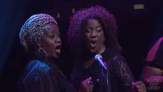 Angelique Kidjo performing Live SAKUKA SA KUBE'A (African Music Legends)