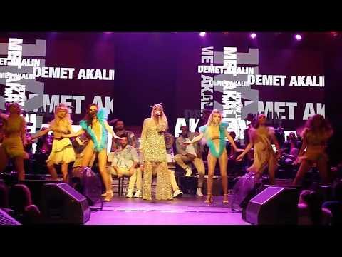 Demet Akalın - Damga Damga (Bostancı Gösteri Merkezi) (18.11.2017)