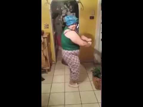 Une Vielle Dame qui danse bien Buzz