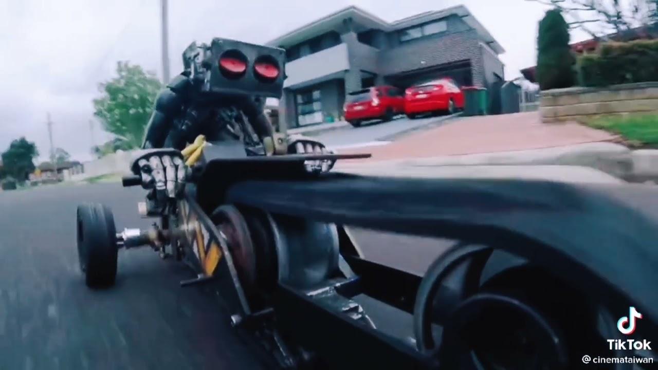 หุ่นยนต์ขับรถได้ #abc, การ์ตูน /หุ่นกระป๋อง