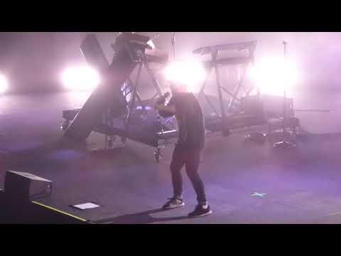 7/18 CHVRCHES - God's Plan @ The Anthem, Washington, DC 10/18/18