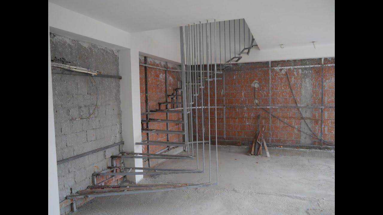 Izrada polukružnih stepenica od željezne konstrukcije, kružne stepenice, polu...
